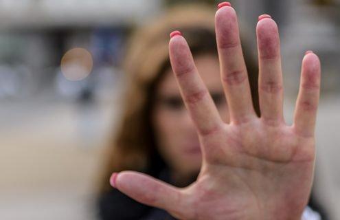 Esiste una correlazione tra la violenza del partner e il rischio di obesitá o di diabete di tipo 2?